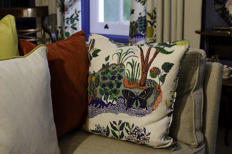 wh-drawing_room_cushions-1500pw-250kb.jpg