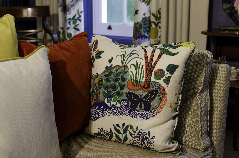 wh-drawing_room_cushions-1500pw-500kb.jpg