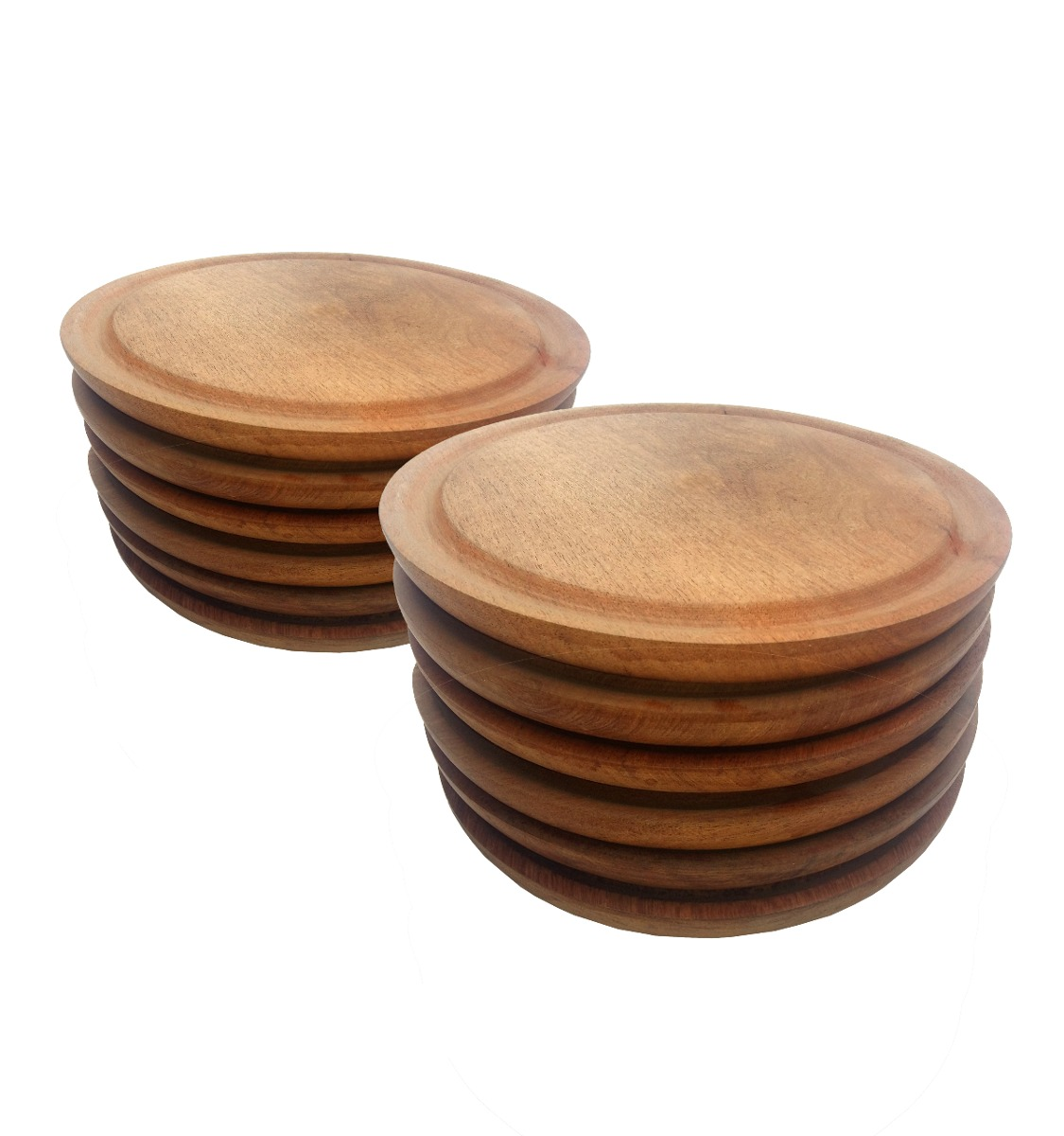 Wooden Plates £6.50 each or Set of 4 Wooden Plates £20 - Food is tasty when it is served in wooden plates! These are the perfect plate for a traditional Asado barbecue. They can be ordered as a set or individually.The plates have a carved recess surround to prevent any juices from running over the edge of the plate, just perfect for a juicy steak!!!!