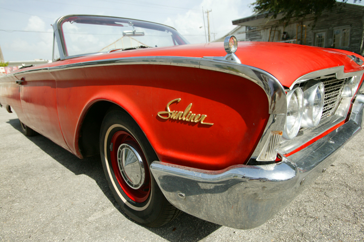 Ford-1962-Galaxie-Sunliner-01.jpg