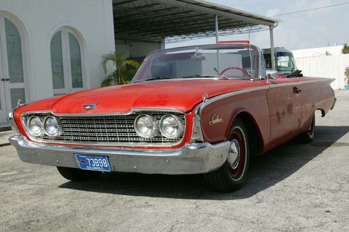 Ford-1962-Galaxie-Sunliner-07.jpg