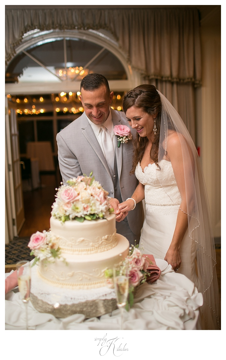 Cakes by Donna Connecticut Wedding.jpg