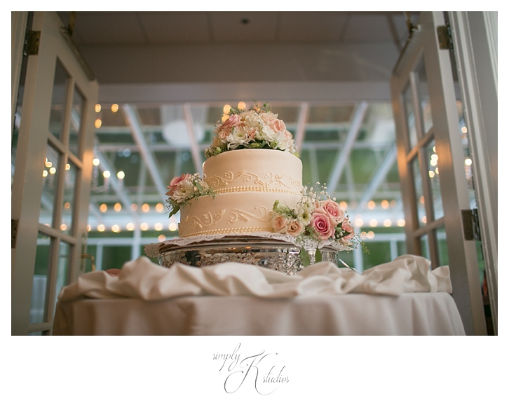 Cakes by Donna CT Bakery.jpg
