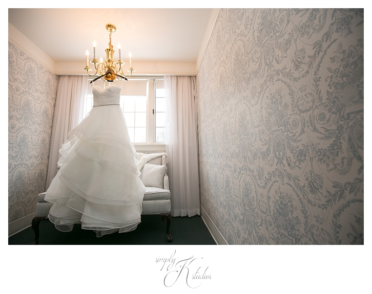 Simsbury Inn Wedding Photographers.jpg