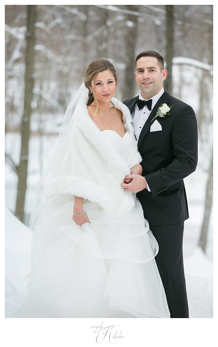 Winter Wedding Photos at The Riverview.jpg