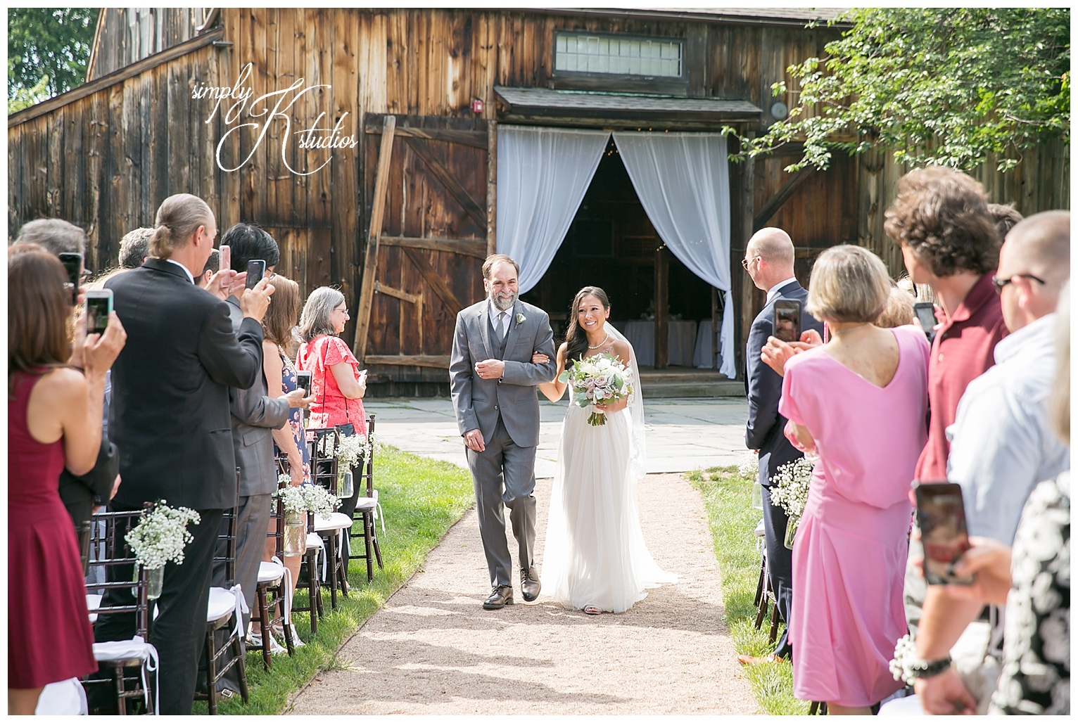 Webb Barn Wedding Photographers.jpg