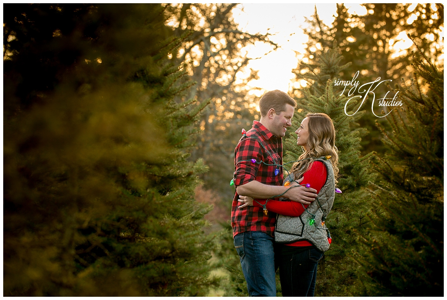Holiday Engagement Session Ideas.jpg