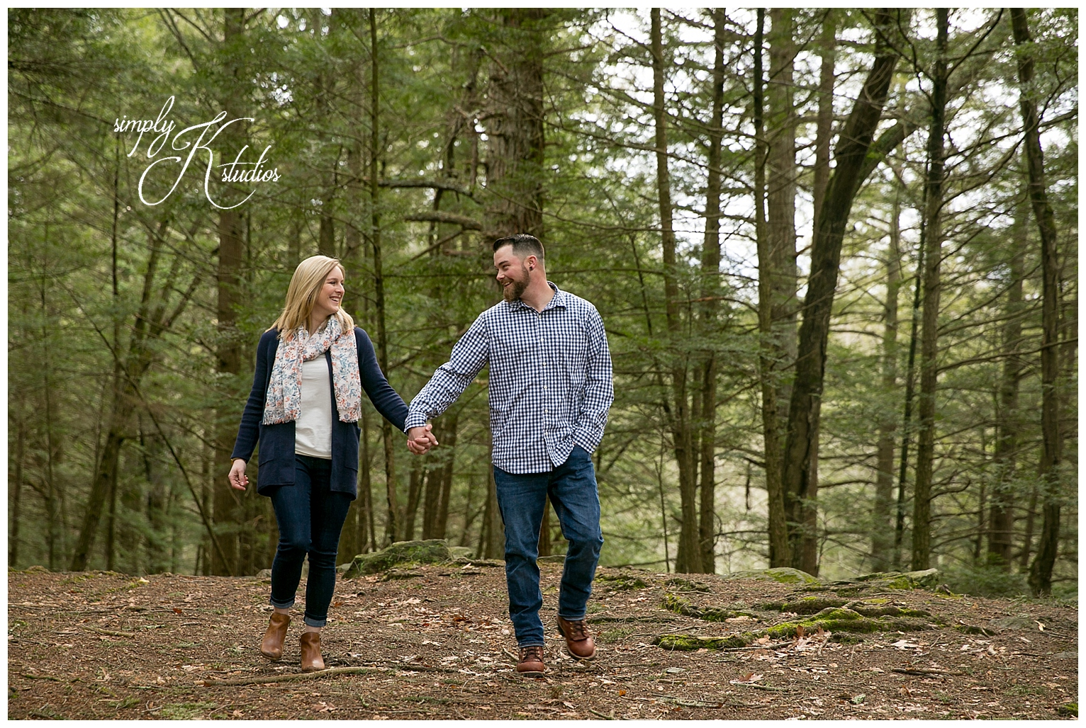 Outdoorsy engagement session.jpg