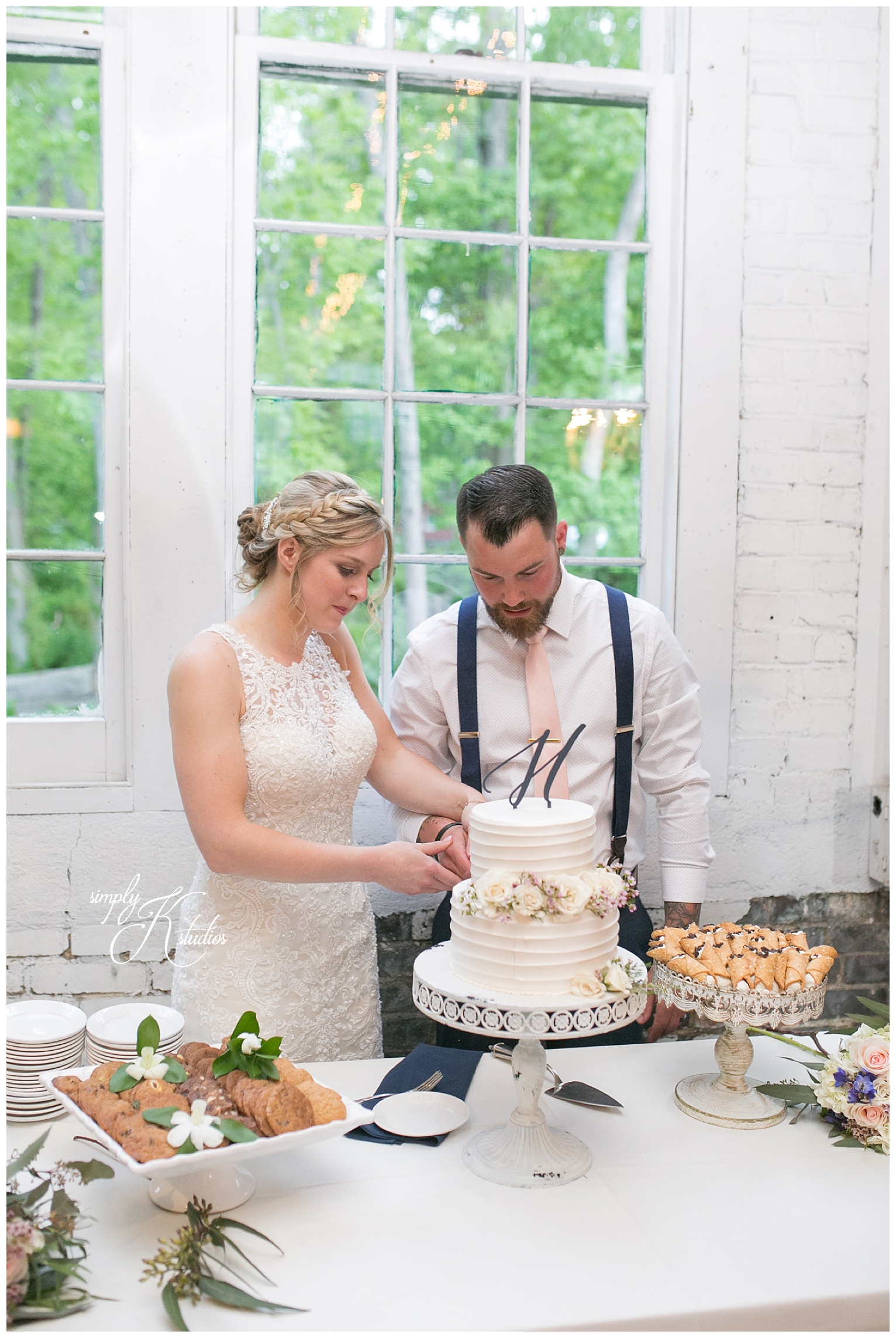 Cake Cutting at The Lace Factory.jpg