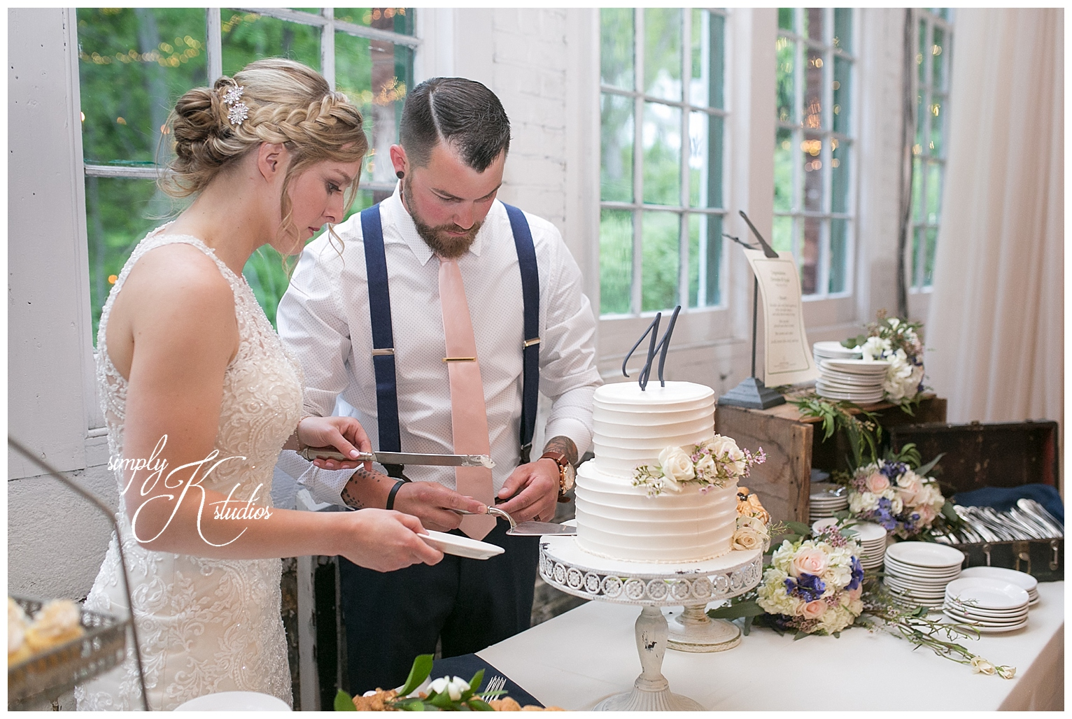Cutting the Wedding CAke.jpg