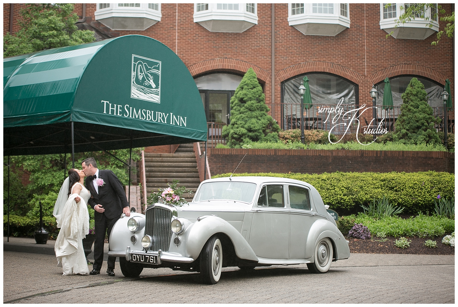 Wedding Photographers at The Simsbury Inn.jpg