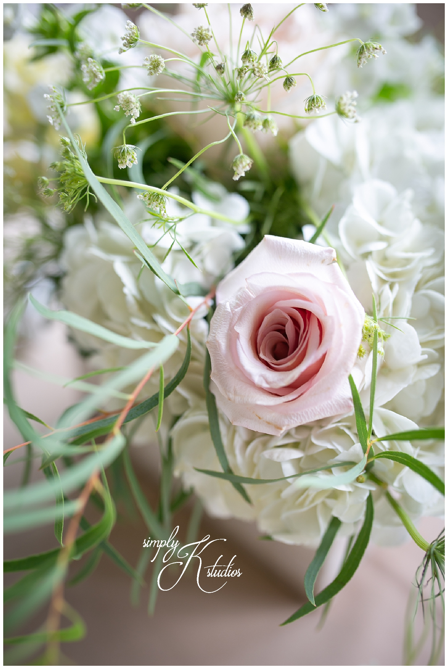 Floral Design by Melissa at The Lace Factory.jpg