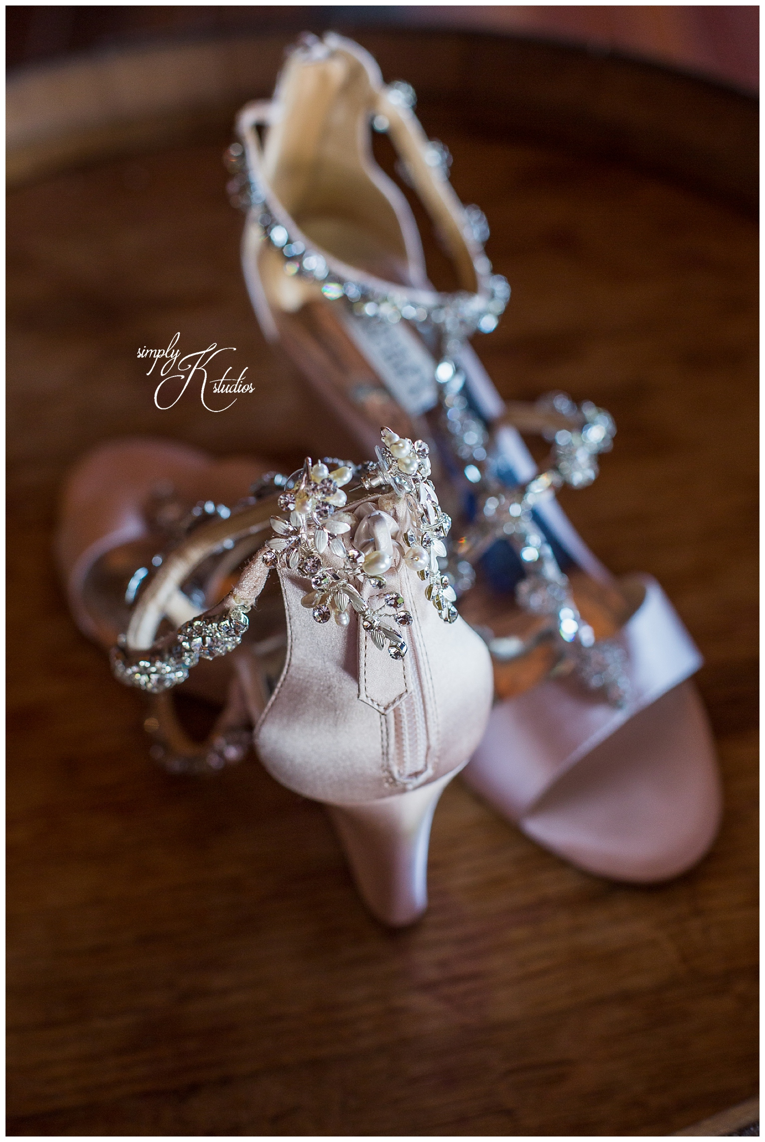 07 Badgley Mischka wedding shoes.jpg