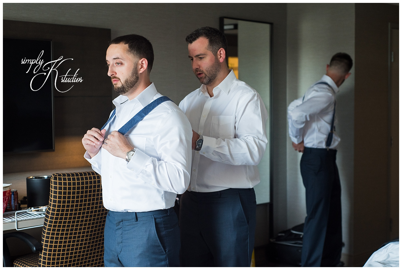10 Grooms Getting Ready.jpg