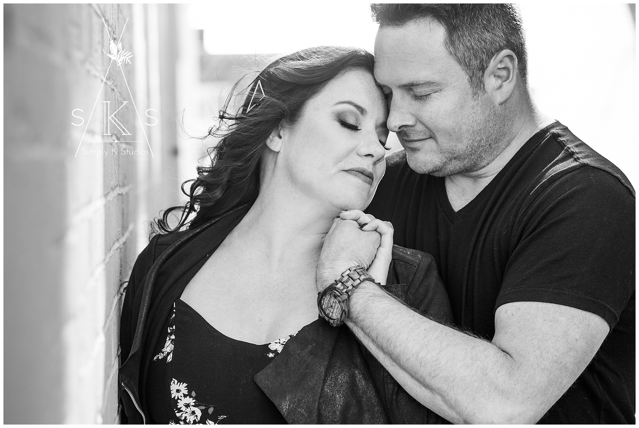 10 Black and White Engagement Photos.jpg