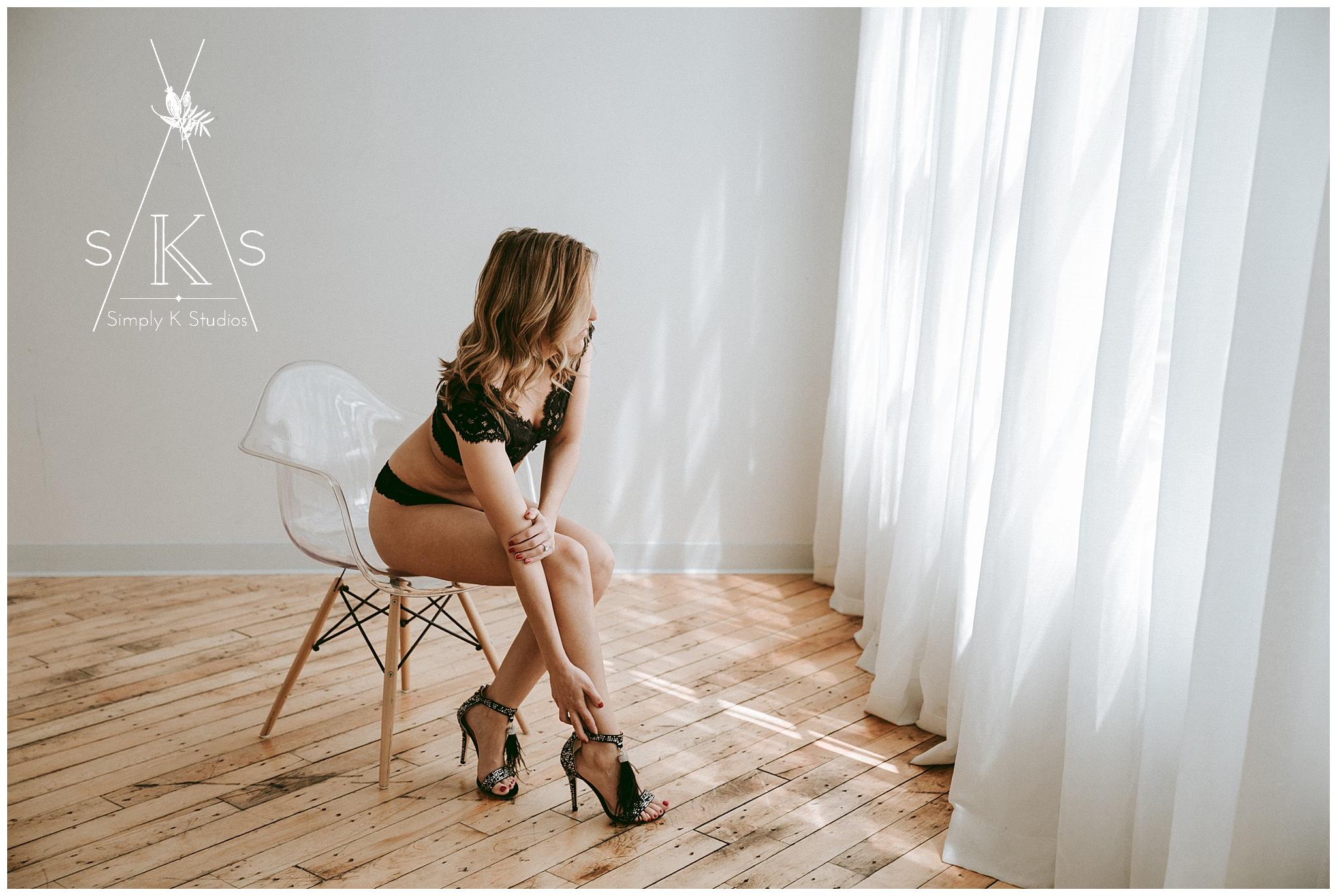 13 Connecticut Photographers for a Boudoir Session.jpg
