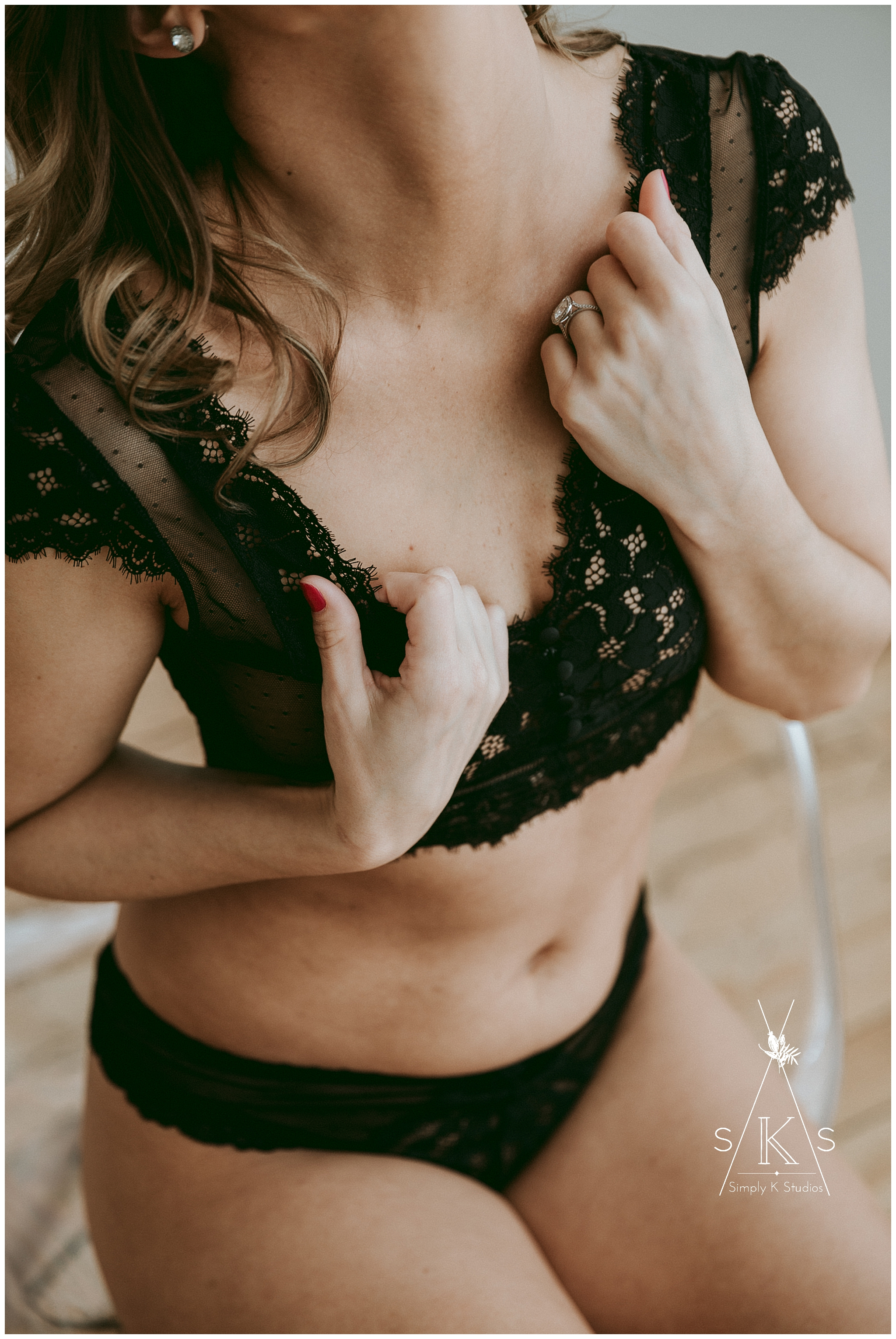 14 Photographers for Boudoir Sessions in Connecticut.jpg