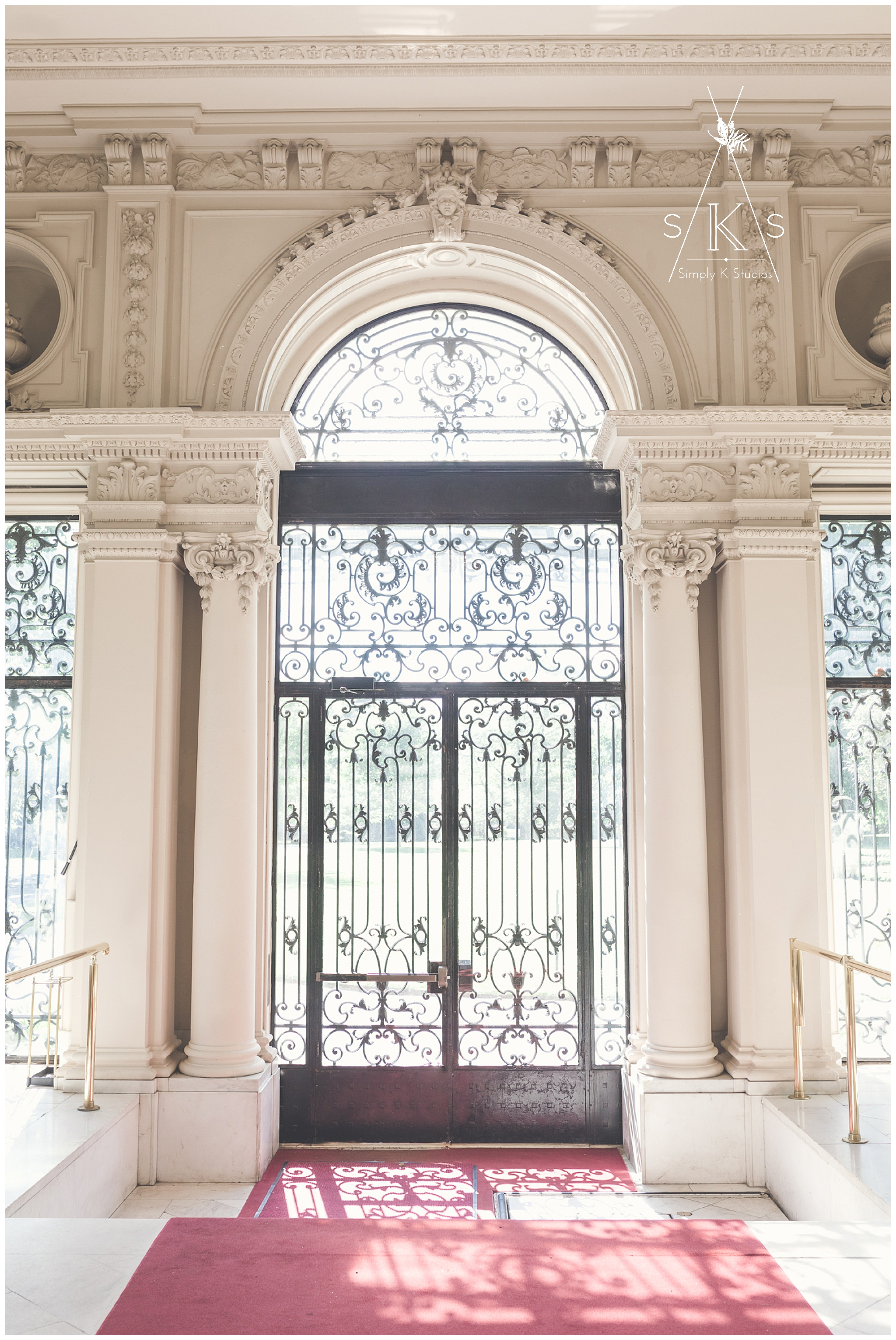 Rosecliff Mansion Entryway