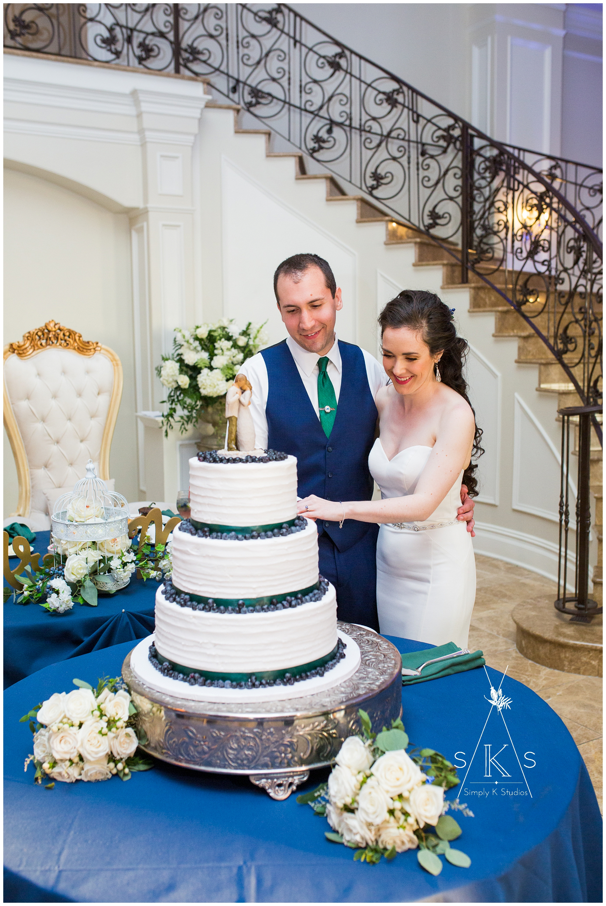 89 Wedding Cake Bakeries in Connecticut.jpg