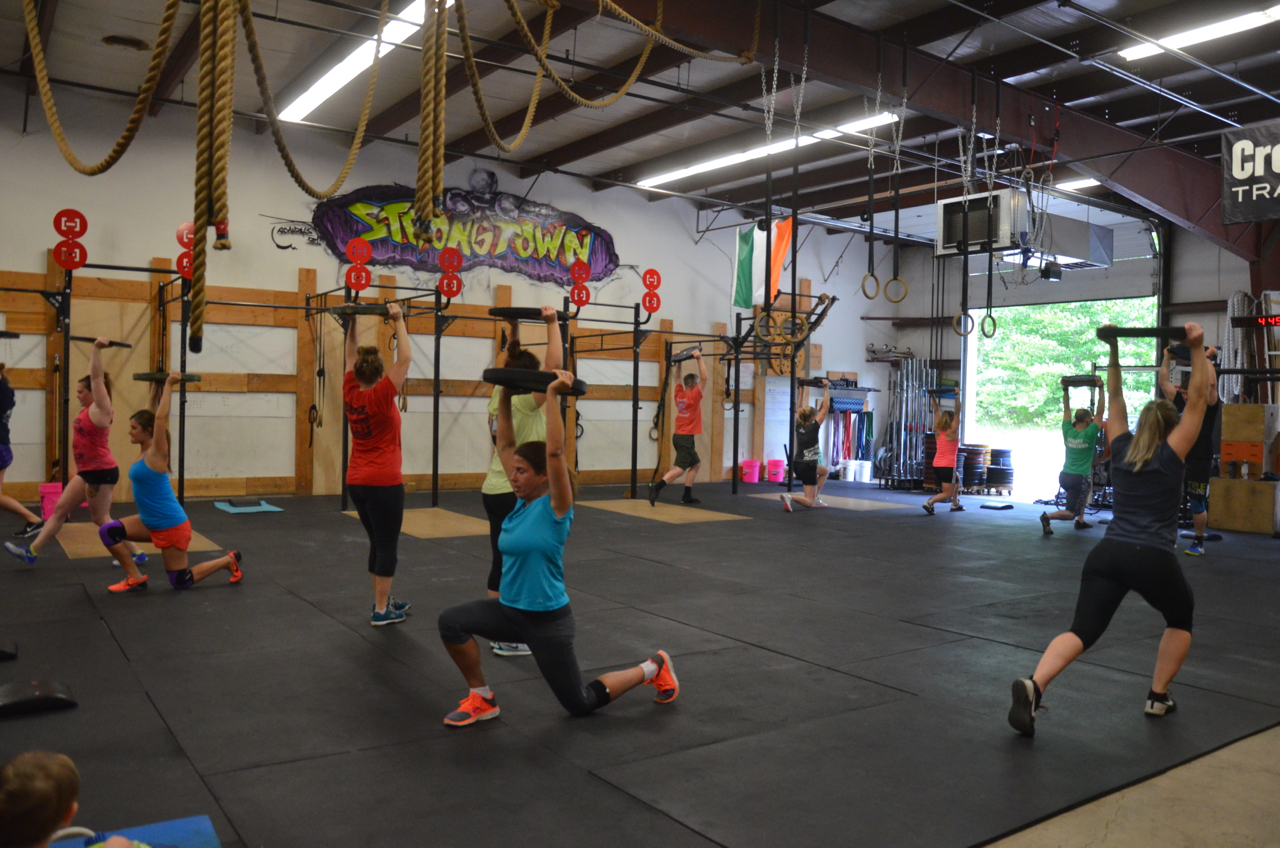 The 4pm class starting their 8 Minute Ladder.