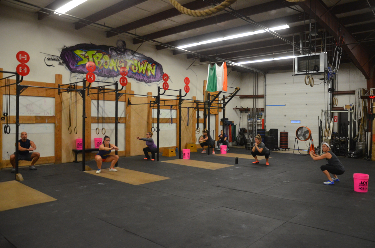 The 4pm class looking solid in their squats.