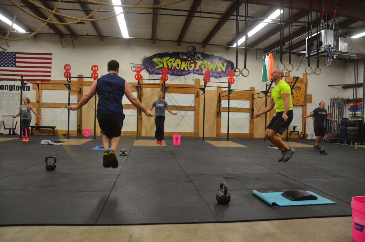 The 4pm class finishing up their Tabata Double Unders.