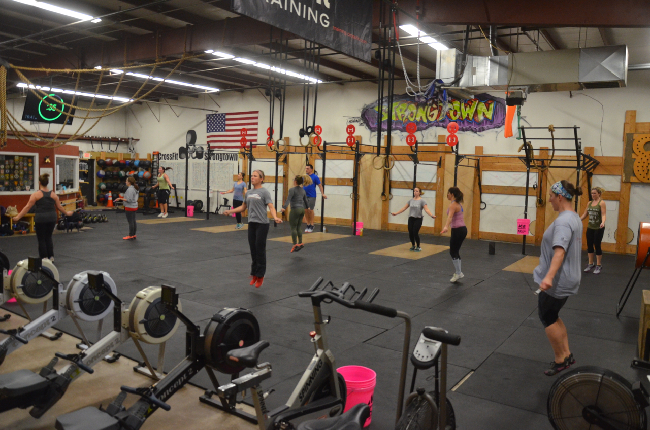 The 4pm starting their 3 minutes of double unders.