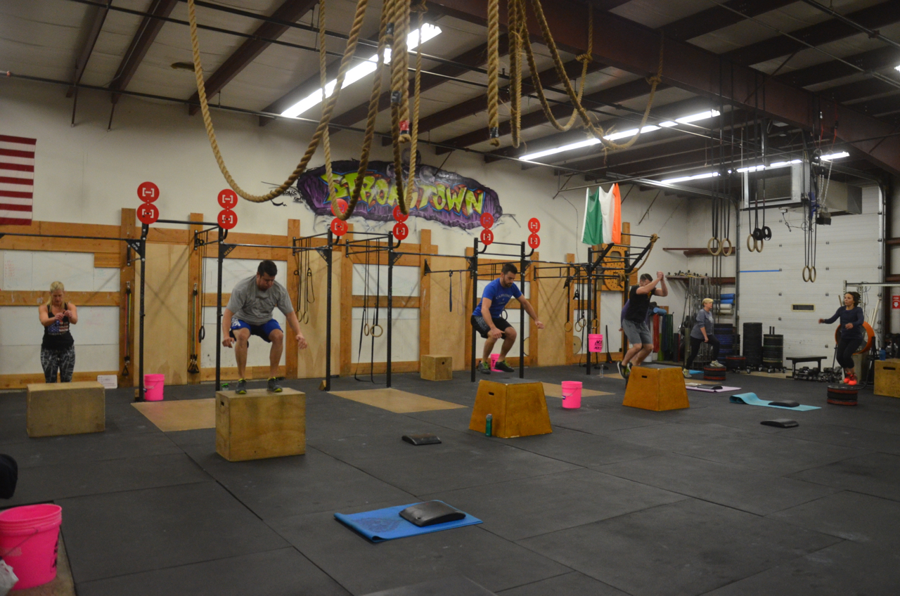 The 6am class starting their 3 rounds.