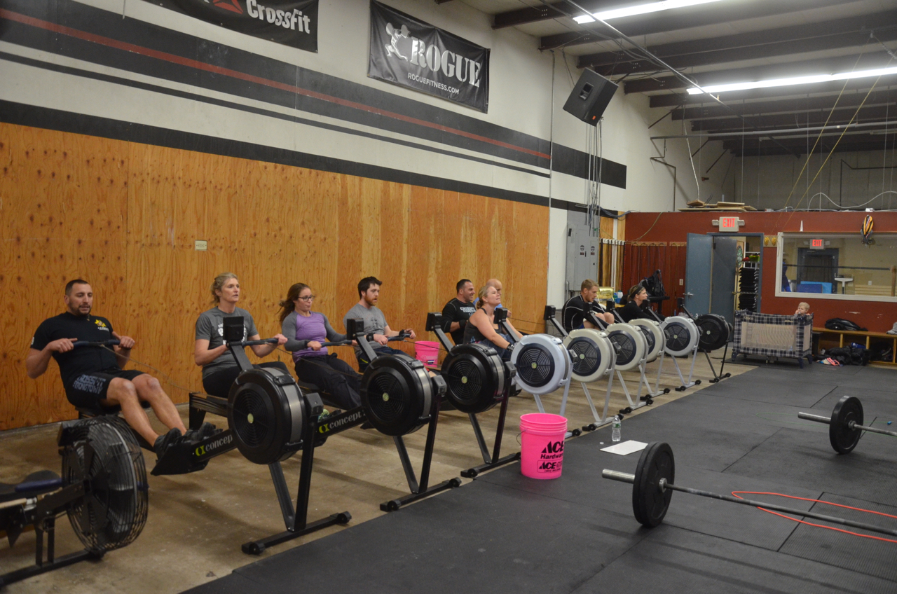 The 5pm class during their 15 calorie row.