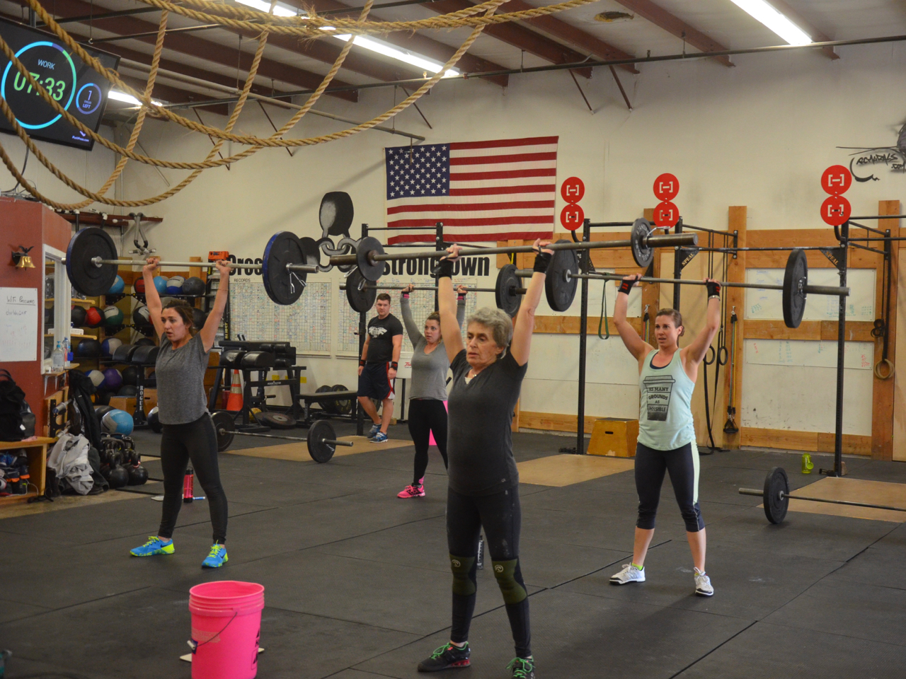 GereLu and the 9:30 ladies (plus Justin) during their Thrusters.