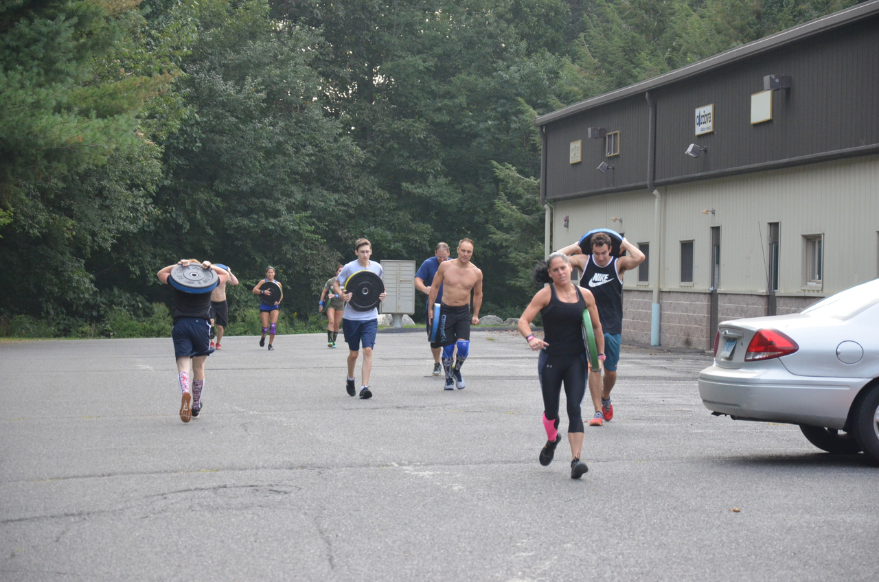 The 7:30am class during the first 800 meter plate run.