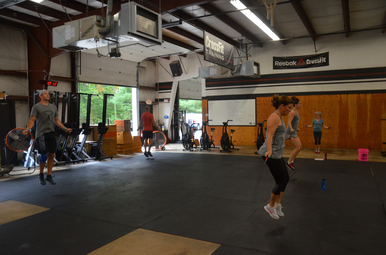The 9:30am class during today's metcon.
