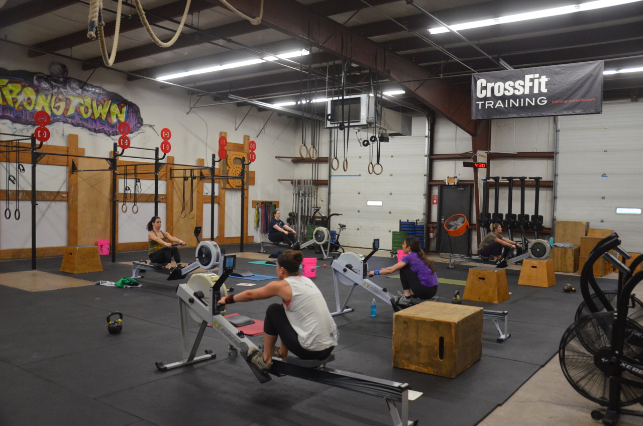 The 4:00pm class starting their row.