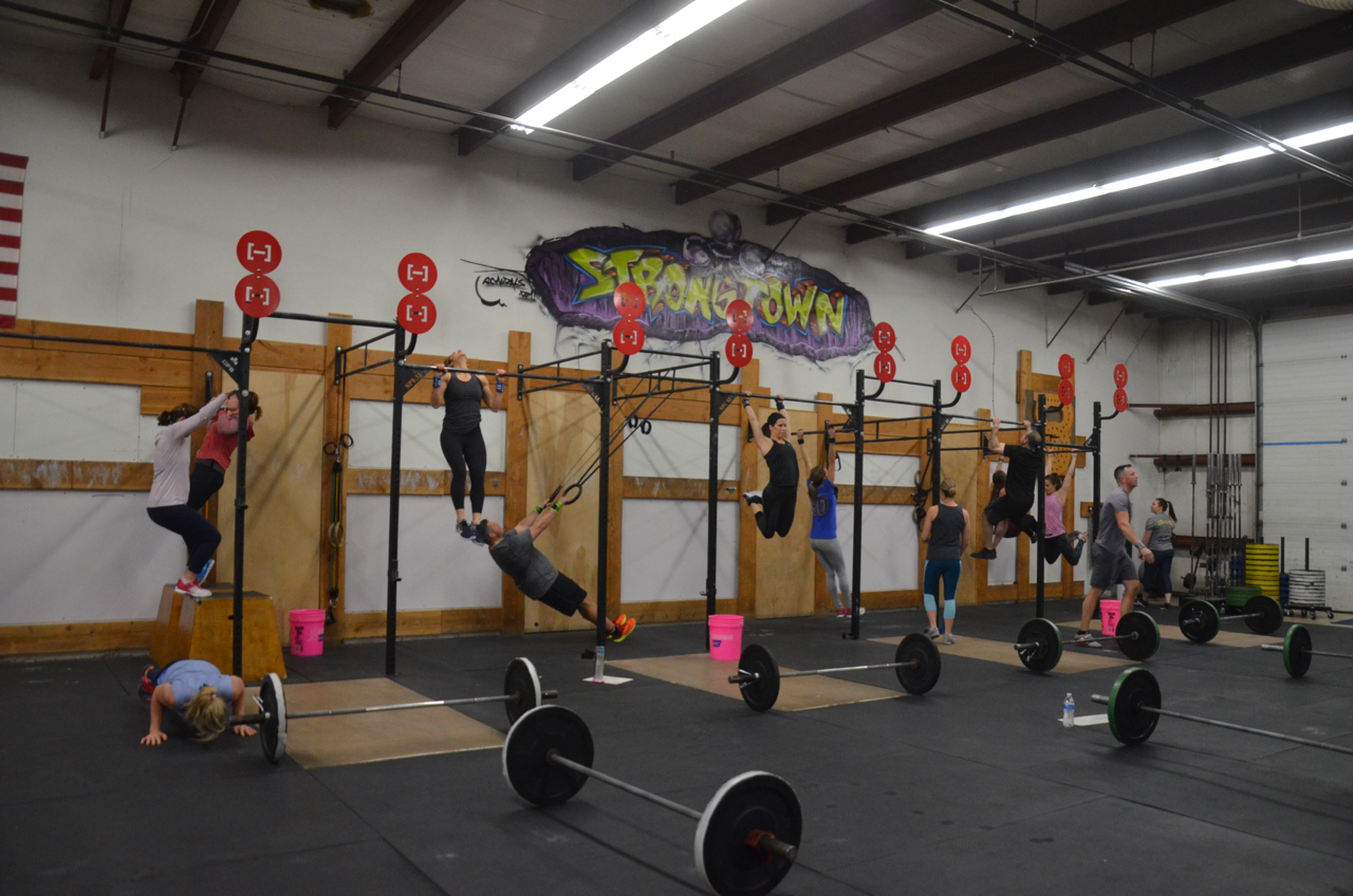 Packed house for the Friday 9:30am class.