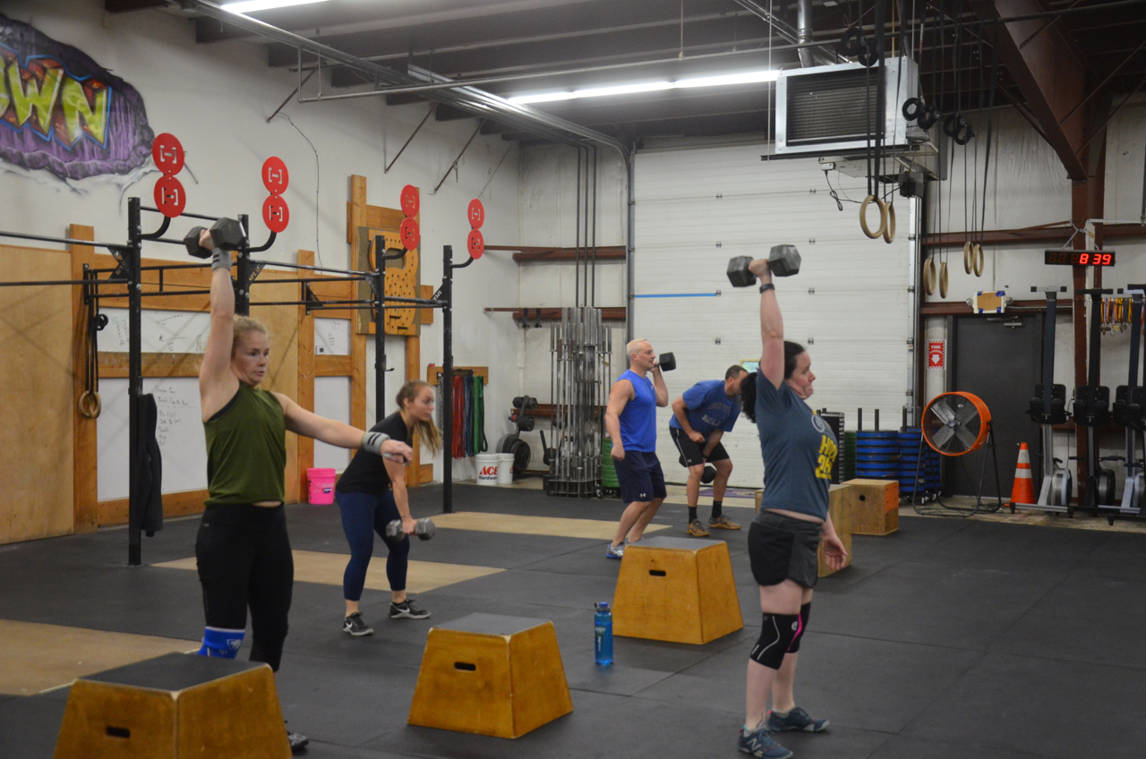 The 8am class during their first round of today's metcon.