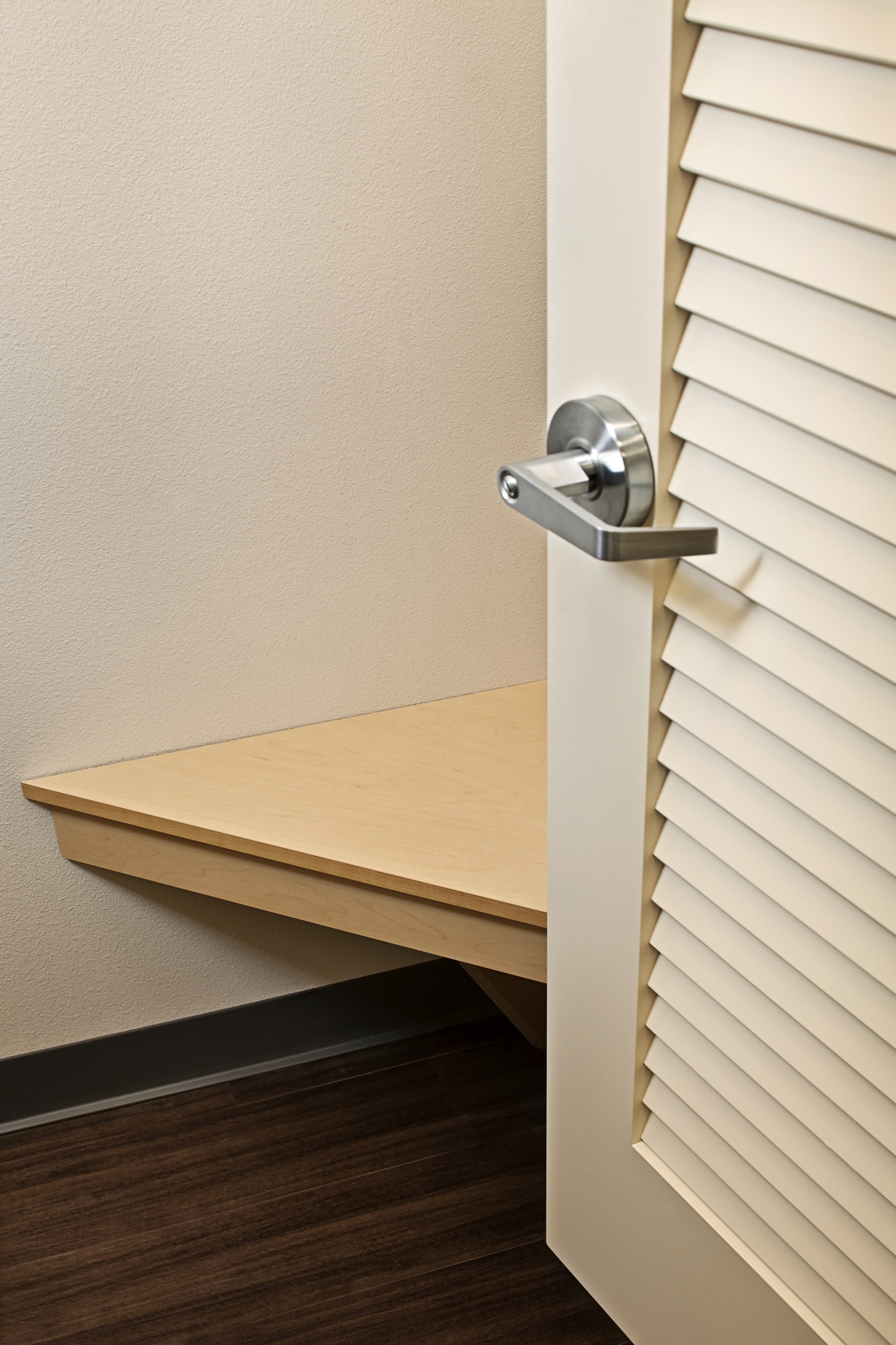 Burlington Fitting Rooms Bench Image 2_low res.jpg