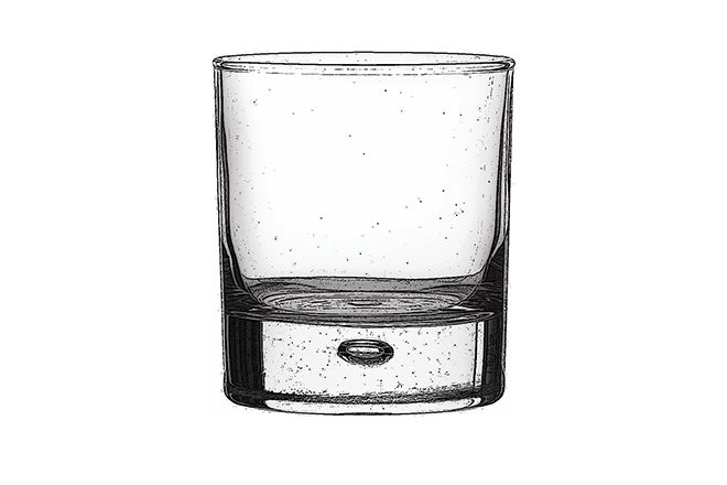 Old fashioned / Lowball  Essentially, this a shorter version of the highball glass, with a thick base and a wide rim. It is used to serve shots of whiskey, with plenty of room for ice, or short cocktails such as the Old Fashioned from which it gets its name. For a Black Cow twist, why not try our Gold Fashioned?