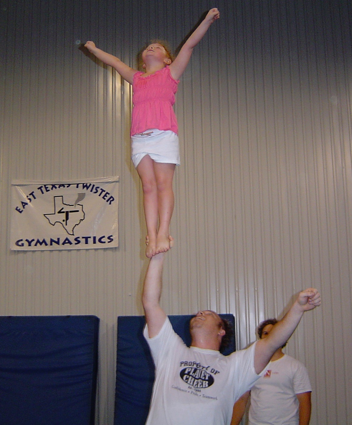 25  Macy at open gym 2006