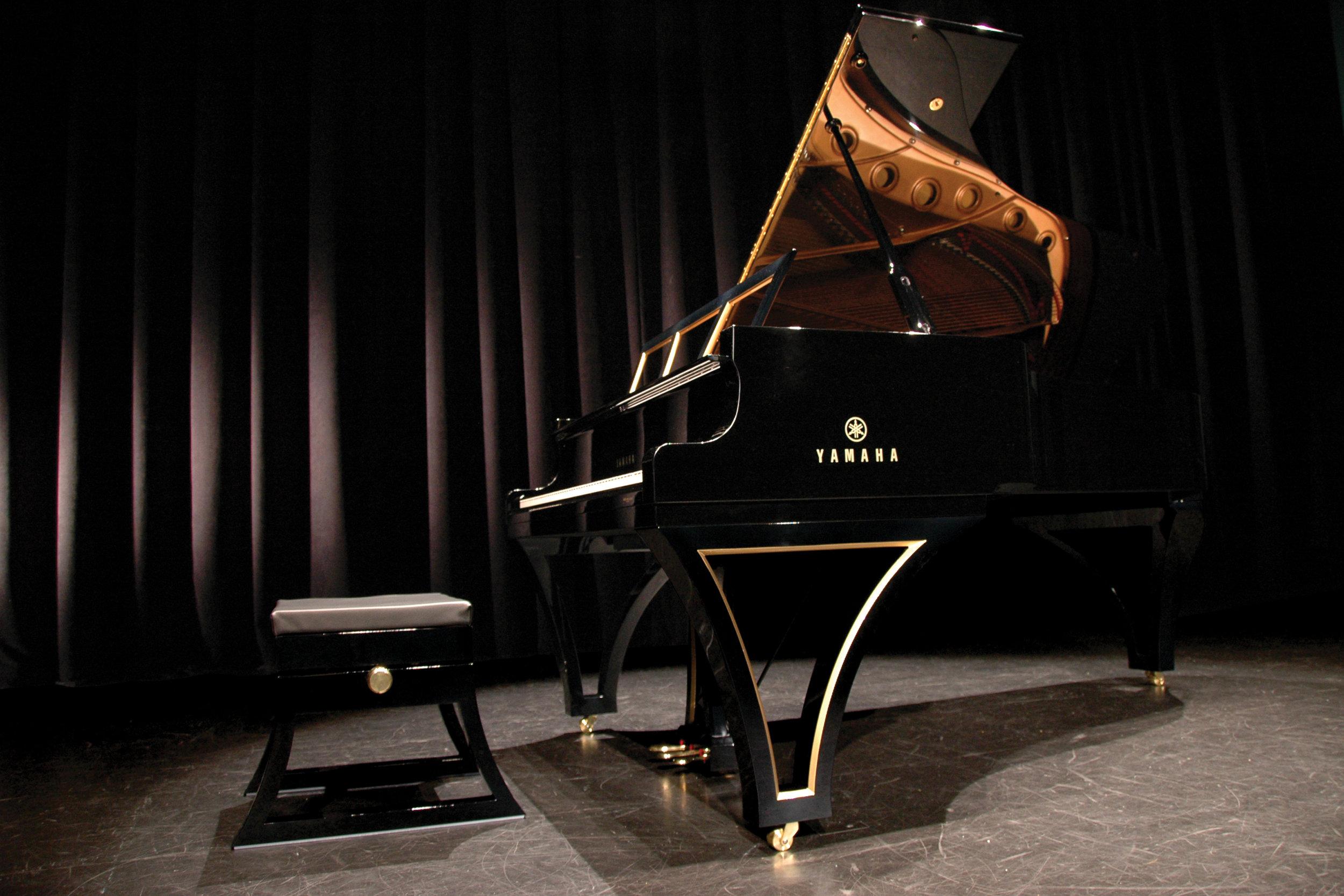 Custom-piano-yamaha-royal-ebony-jelliottco-j-elliott-co.JPG
