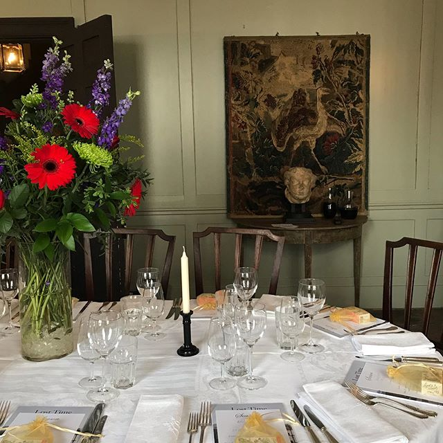 Perfect setting for dinner earlier this weekend. Upstairs at @townhousespitalfields #birthday #supperclub #seasonalcooking