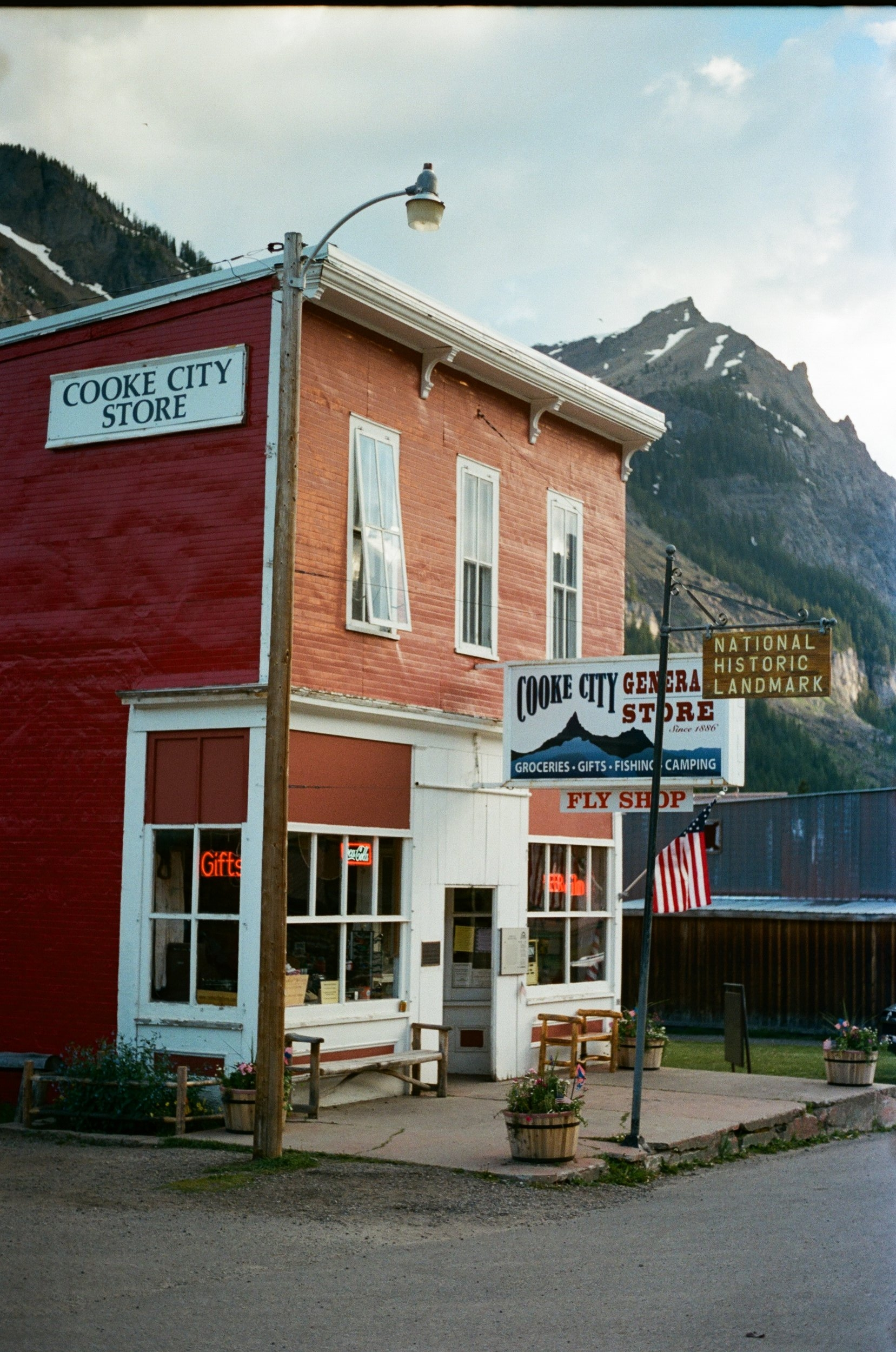COOKE CITY, MT