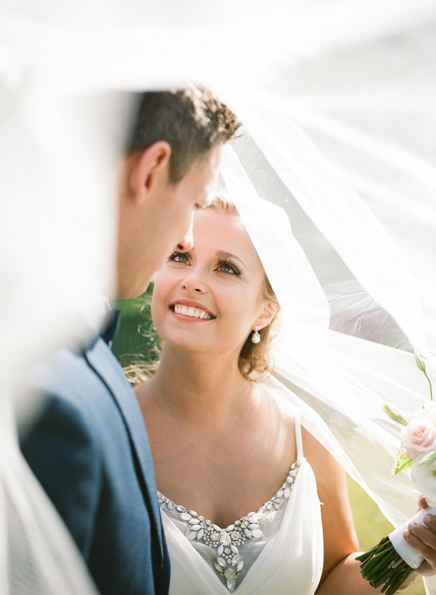 modern bride groom hayley paige