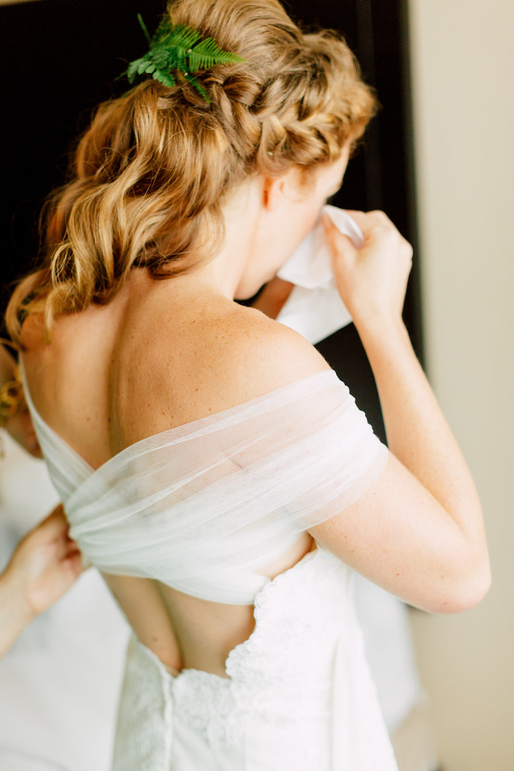 redhead bride modern bride guelph bridal boutique hayley paige clementine