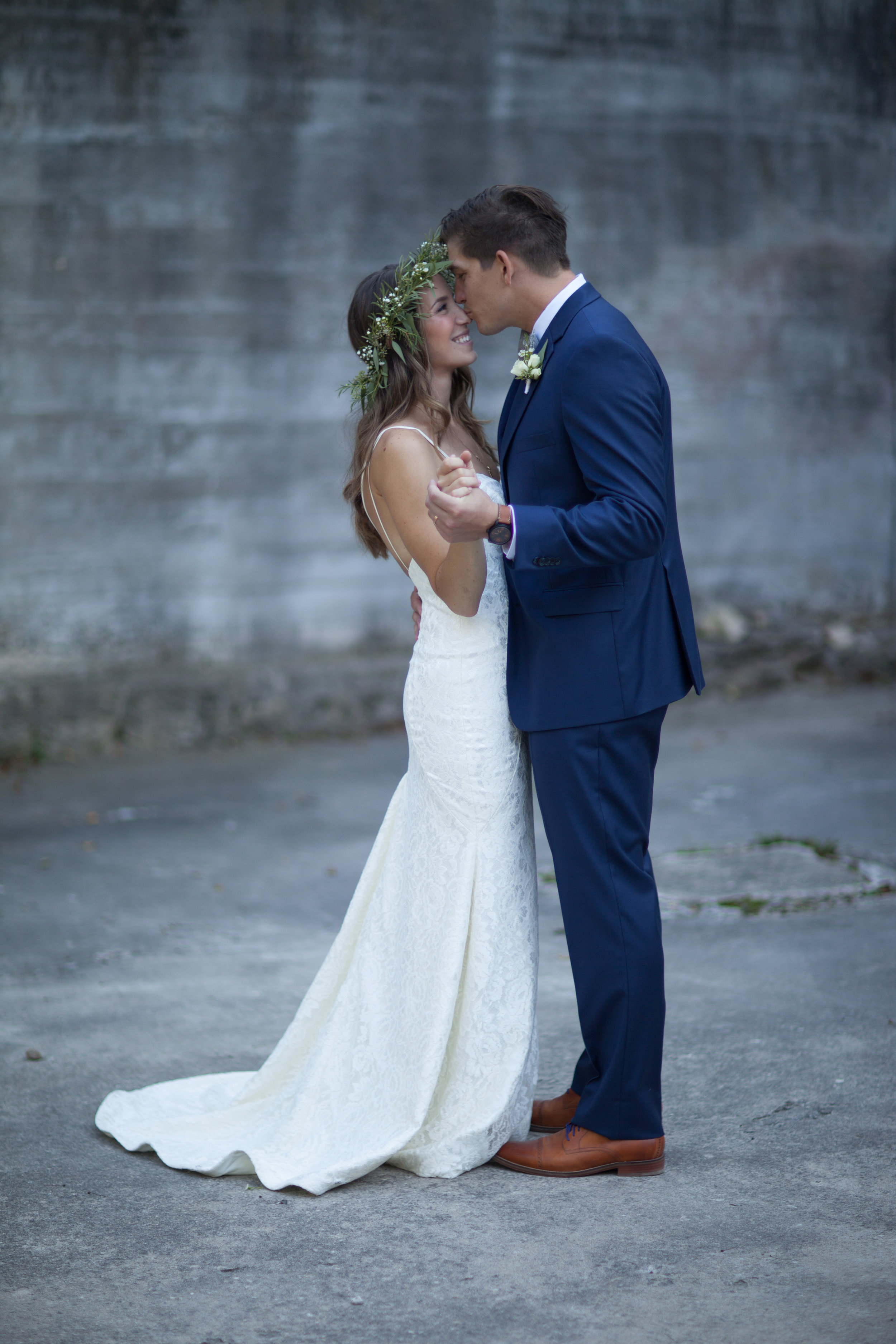 bride groom guelph hayley paige lace gown goldie mill boho bride