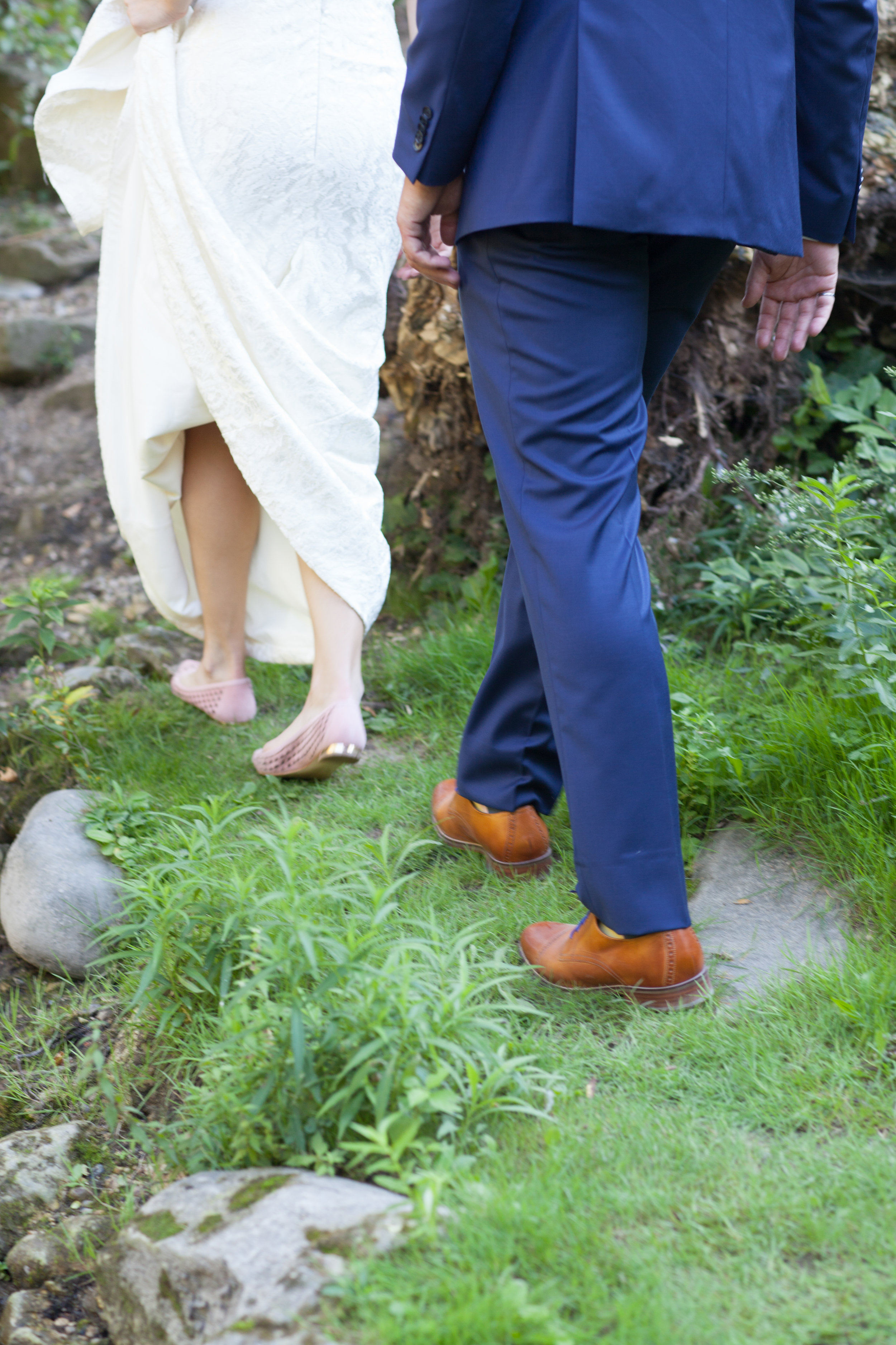 adventure couples hayley paige guelph bride groom goldie mill