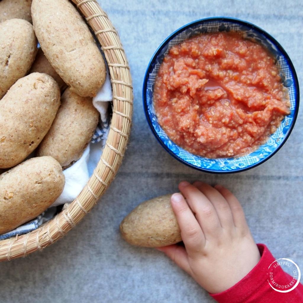 sormiruokailu leipä dippi