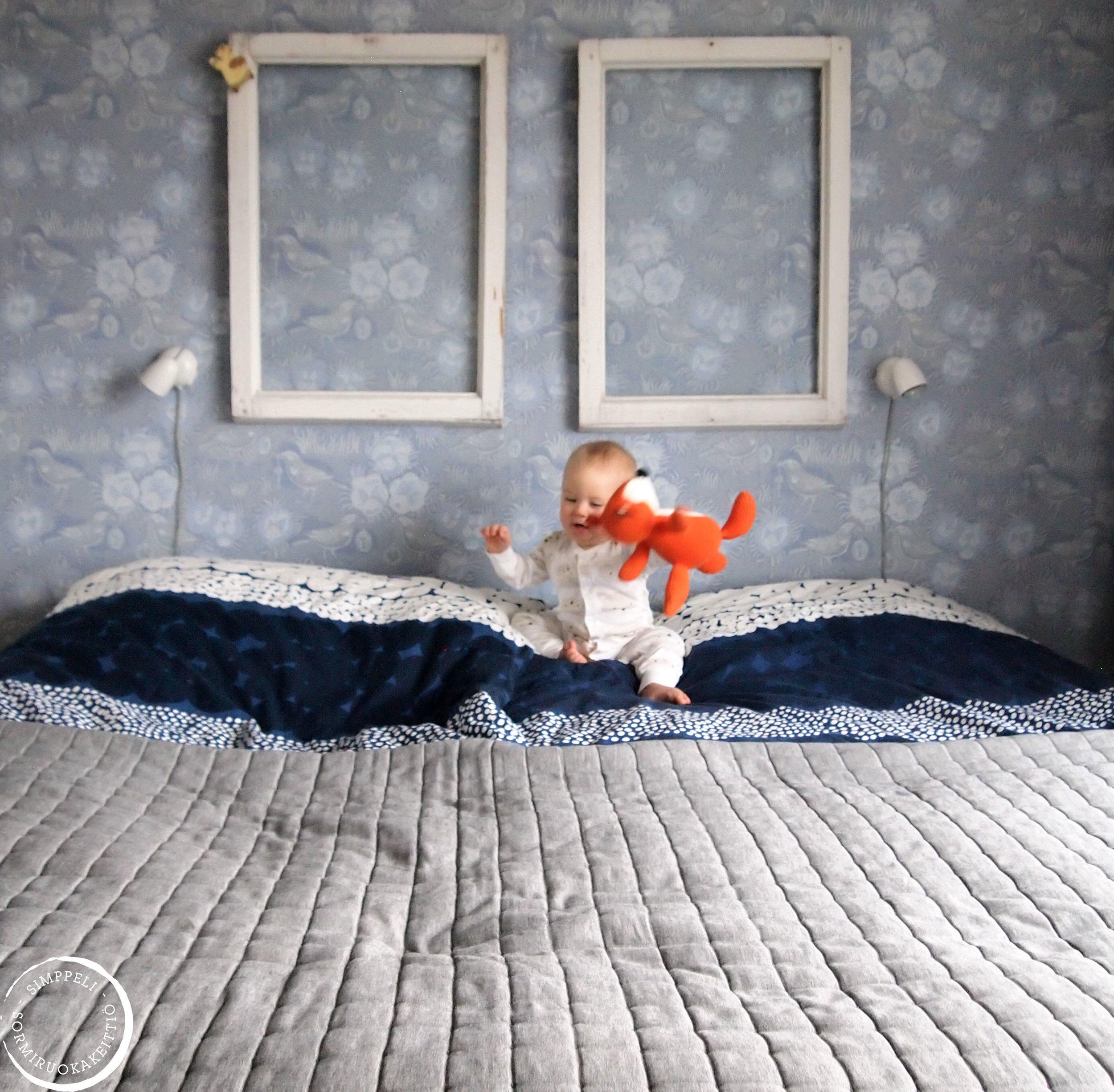 """""""Nukkuu kuin vauva"""" -sanonnan lanseeraaja ei koskaan tavannut meidän vauvaamme, tai ehkä kovin montaa muutakaan."""