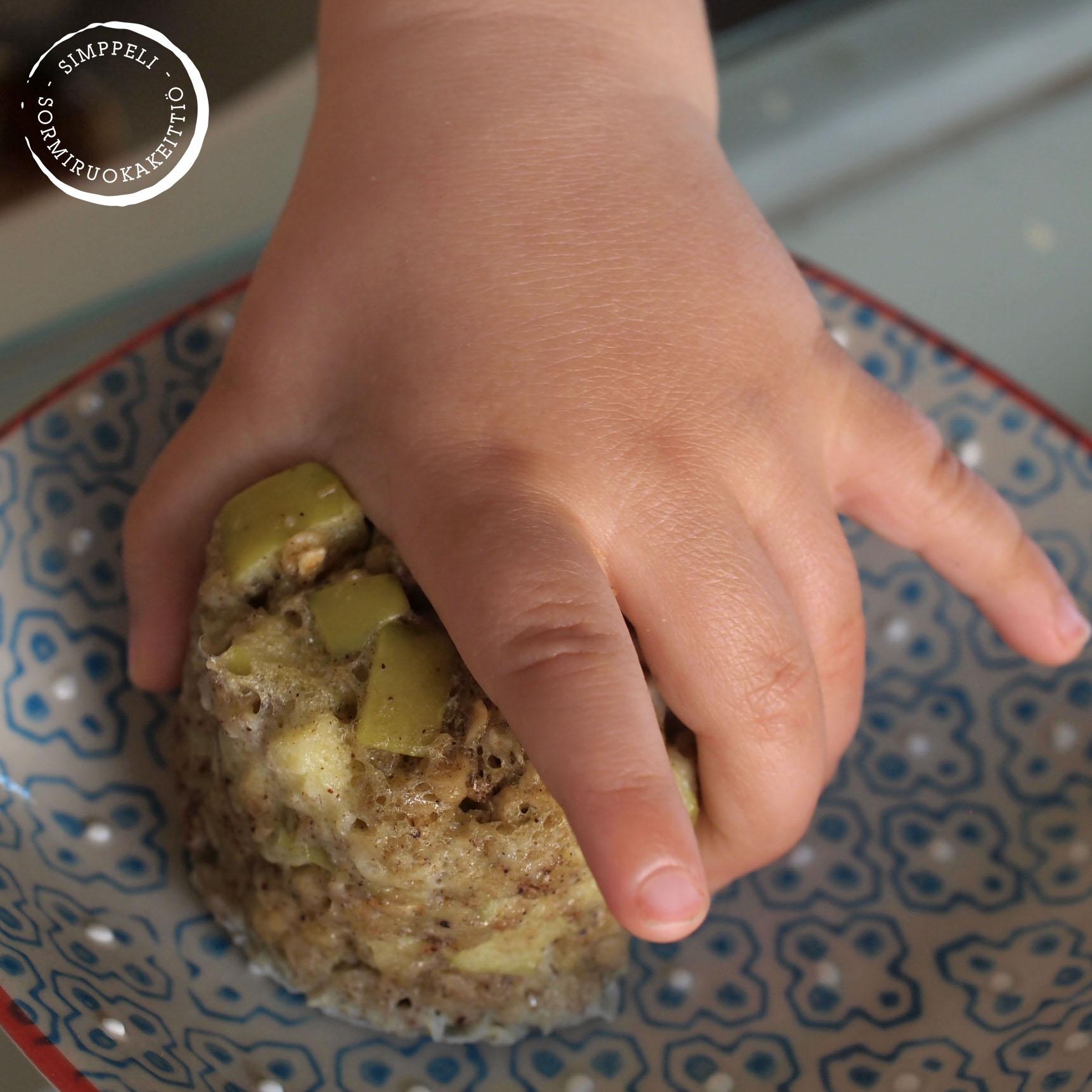 vauvan mukimuffinsi sormiruokailu simppeli sormiruokakeittiö