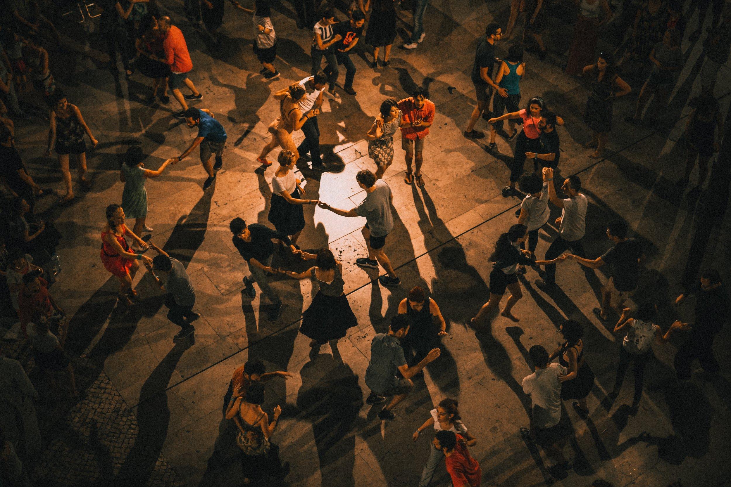 learn spanish through salsa dancing