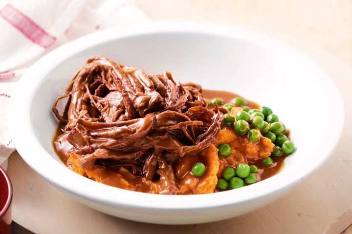 slow-cooked-beef-brisket-with-sweet-barbecue-sauce-91543-1.jpg